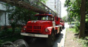 Пожарные тушили огонь в квартире на улице Горького (фото)