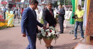 Липчане возложили цветы к памятнику Митрофана Клюева