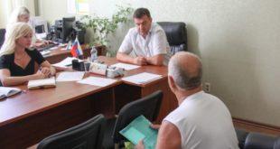 Инструкторы автошколы ДОСААФ жалуются на невыплату зарплаты