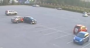 В Липецке нашли автоледи, которая на свободной парковке врезалась в автомобиль
