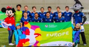 Тренер ДЮСШ «Металлург» и студент ЛГПУ сыграли за сборную Европы на Международном Фестивале молодёжи и студентов