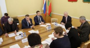 На повышение зарплаты бюджетников дополнительно выделят 440 миллионов рублей