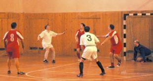 В Красном закрывается сезон по мини-футболу
