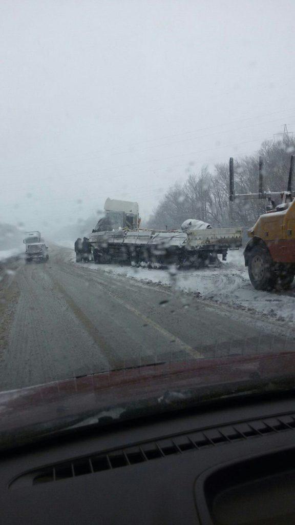 На трассе М-4 «Дон» перевернулся грузовик