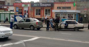 «ВАЗ» протаранил «Рено» наулице Вермишева вЛипецке