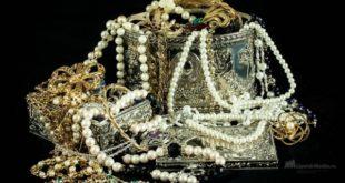 Ценности Романовых стоимостью в $1 млн нашли в подвале в Ташкенте