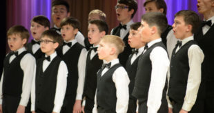 Дети споют вместе с Липецким духовым оркестром