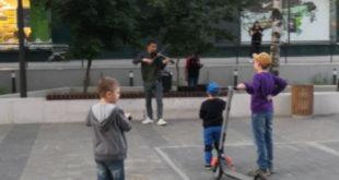 Не Петербург: уличного скрипача за «пиликанье» сдали полиции (видео)
