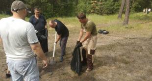 Берега Силикатных озёр липчане очистили от мусора