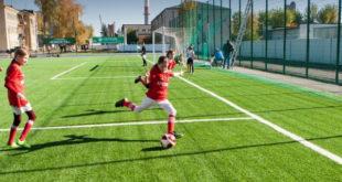 Старый стадион в Лебедяни становится новым