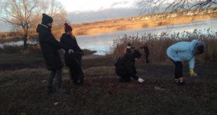 Волонтеры снова убирали берег Матыры