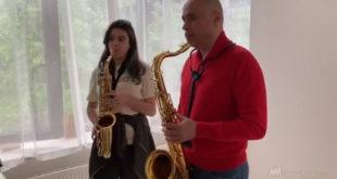 Липецкий губернатор создал семейный музыкальный дуэт (видео)