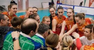 Игорь Артамонов поздравил липецких волейболисток с возвращением в Суперлигу