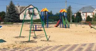 В Елецком районе появляются новые детские площадки