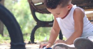 Минпросвещения заявило о вреде подарков для детей-сирот
